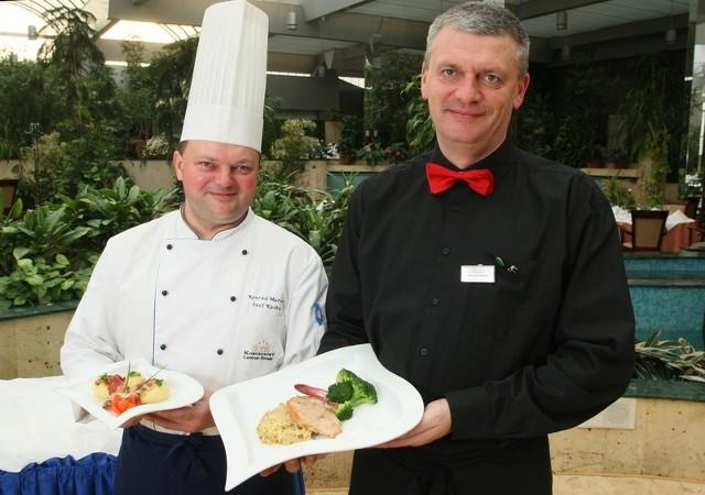 Za jedne z ciekawszych dań z powiatu staszowskiego Konrad Marcisz, szef kuchni kieleckiej restauracji Patio i kelner koordynator Dariusz Rokita uznali prazoki i schab po rytwiańsku.