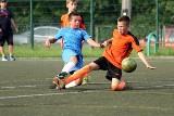 Wakacje z piłką w Skarżysku – młodzi piłkarze rywalizowali w turnieju [ZDJĘCIA]