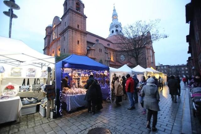 Jarmark na Nikiszu został w tym roku odwołany. W planowanym terminie nie odbędzie się też jarmark na katowickim rynku.