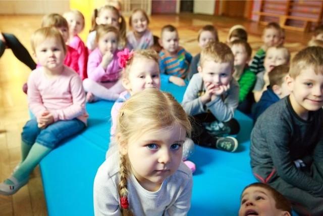 Rodzice dzieci, które już chodzą do przedszkola nr 1 w Białymstoku, rekrutacyjne kłopoty mają za sobą. Teraz walkę o miejsce zaczną toczyć rodzice młodszych maluchów.