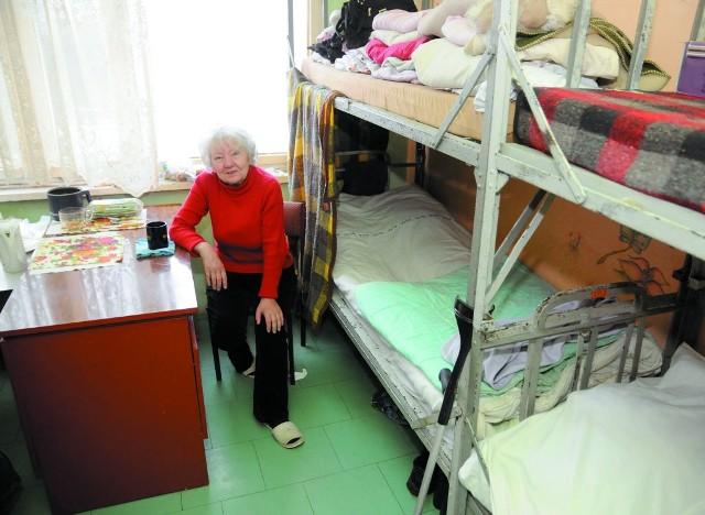 Bezdomna pani Irena- Schronisko to nie hotel, ale nawet my chcemy godnie żyć - przyznaje pani Irena. Inne bezdomne mówią podobnie.