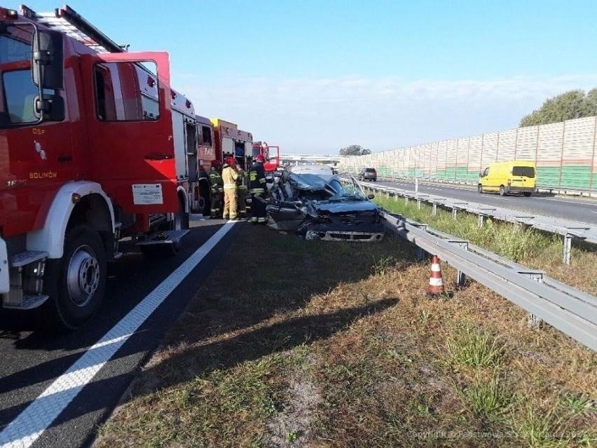 Tragiczny wypadek na autostradzie A2. Jeden z kierowców w...