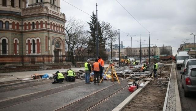 W tym miejscu przechodzić ma nowa trasa – ul. Nowotargowa, łącząca ul. Uniwersytecką z al. Piłsudskiego. Jej budowa ruszy wiosną.