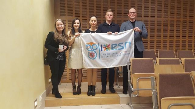 Reprezentanci Erasmus Student Network czekają na zgłoszenia do 18 marca.