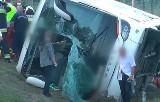 Koszmarny wypadek polskiego autokaru na Węgrzech. Turyści ze Śląska wracali do domu. Jeden zginął, 24 osoby trafiły do szpitala