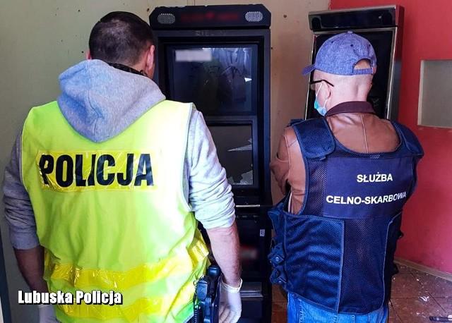 Funkcjonariusze Komendy Powiatowej Policji w Krośnie Odrzańskim i Krajowej Administracji Skarbowej z Gorzowa Wlkp. namierzyli kolejny nielegalny lokal z maszynami hazardowymi.