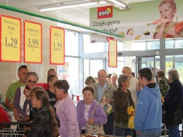 Takie tłumy odwiedziły POLOmarket w Unisławiu w dniu otwarcia