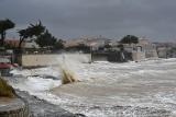 Huragan Miguel pustoszy wybrzeża Francji i Hiszpanii. To rzadko spotykane zjawisko w tym rejonie o tej porze roku
