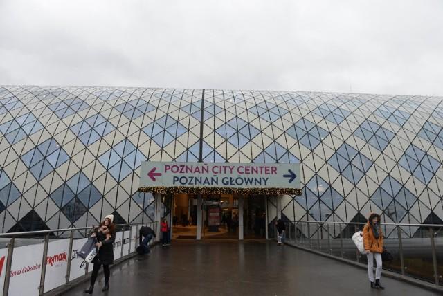 Poznań Główny: Elewacja dworca jest już czysta