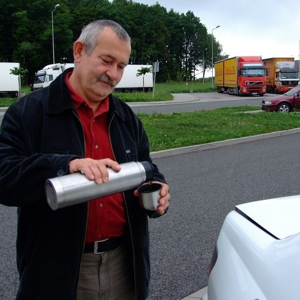 - Chętnie zatrzymam się, by napić się kawy. Nie będę już musiał wozić ze sobą termosu - mówi Waldemar Kiernorzycki.