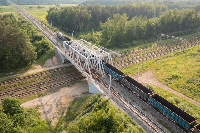 Linia Toszek Północ - Rudziniec Gliwicki - Stare Koźle to jedna z najważniejszych tras towarowych na styku województw śląskiego i opolskiego.