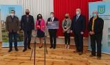 Ponad 2 miliony złotych dla gminy Kunów. Będzie remont drogi w Janiku (ZDJĘCIA)