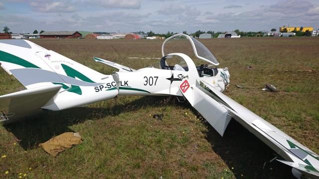 Niewielki samolot rozbił się podczas startu. Awionetka spadła na ziemię z wysokości kilku metrów.