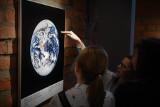 Kosmiczna wystawa w Miejskiej Bibliotece Publicznej. Zobacz zdjęcia z lądowania na Księżycu!