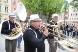 I Jazzowa Parada Uliczna w Zielonej Górze. Było głośno i radośnie [WIDEO, ZDJĘCIA]