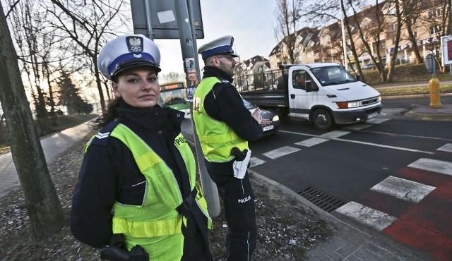 Zielonogórska policja patroluje rejony przejść dla pieszych.