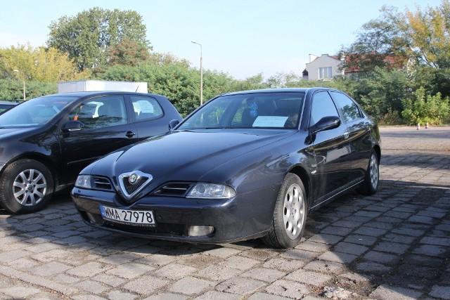 Alfa Romeo 166, 2002 r., 2,0, ABS, centralny zamek, elektryczne szyby i lusterka, wspomaganie kierownicy, 6 tys. 900 zł;