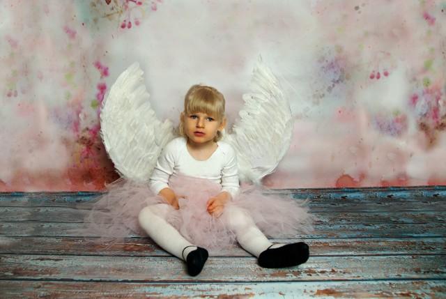 Wielkim marzeniem rodziców 3-letniej Zuzi  jest to, żeby ich ukochana córeczka zaczęła chodzić. Potrzebna jest jednak kosztowna i regularna rehabilitacja