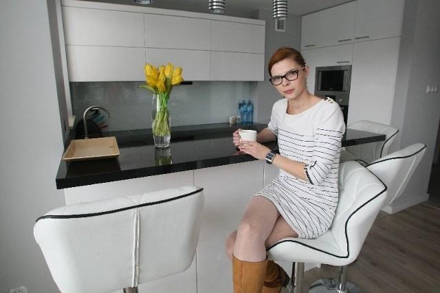 Projektantka wnętrz Malwina Kuzera– Projektując niewielkie mieszkanie, by było funkcjonalne, trzeba przemyśleć najdrobniejsze szczegóły i zagospodarować każdy centymetr powierzchni – mówi Malwina Kuzera, projektantka i właścicielka biura eMKu Projekt w Kielcach.