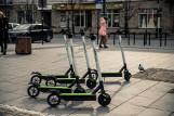 Koniec sezonu 2020. Elektryczne hulajnogi i skutery blinkee.city znikają z Białegostoku na czas zimy