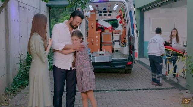 """W TVP trwa emisja kolejnego sezonu serialu """"Elif"""". Melek i Elif w końcu się odnalazły.. Mama dziewczynki zwiąże się z mężczyzną. Z kim? Zobaczcie sami na zdjęciach."""