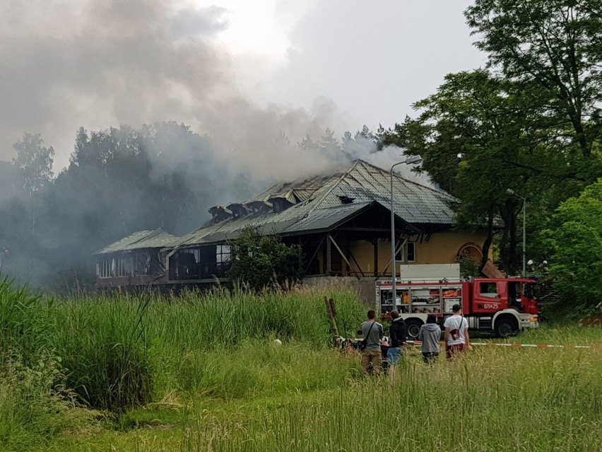 Pożar restauracji nad zbiornikiem Balaton w Sosnowcu....
