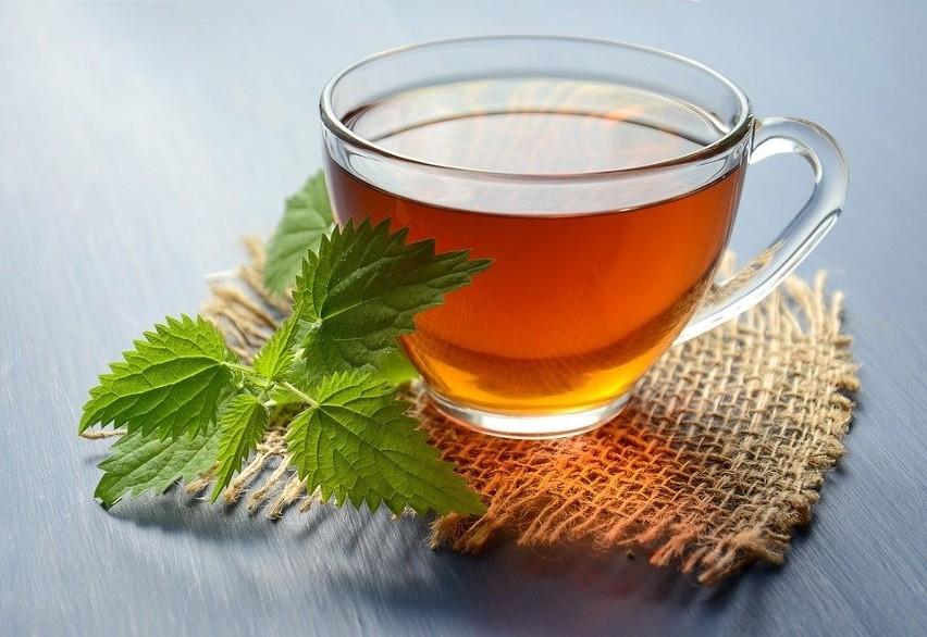 Pijmy herbaty ziołowe wspomagające trawienie....