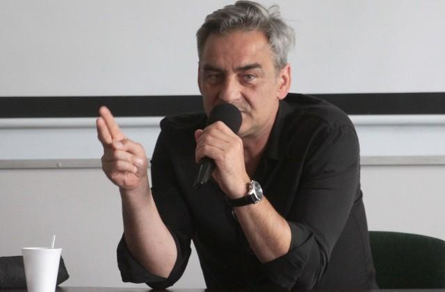 Znany aktor Robert Gonera, poprowadził w piątek wykład o aktorstwie filmowym w Wyższej Szkole Handlowej.