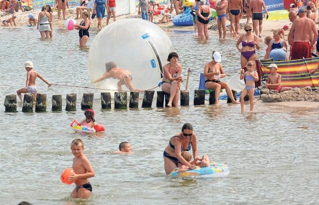 Wiele imprez w kurortach odwołano. Turyści będą musieli zadowolić się plażą i morską kąpielą