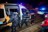 Strajk Kobiet w Bydgoszczy w piątek, 29 stycznia. Blokada ulicy i przepychanki z policją [nowe zdjęcia]