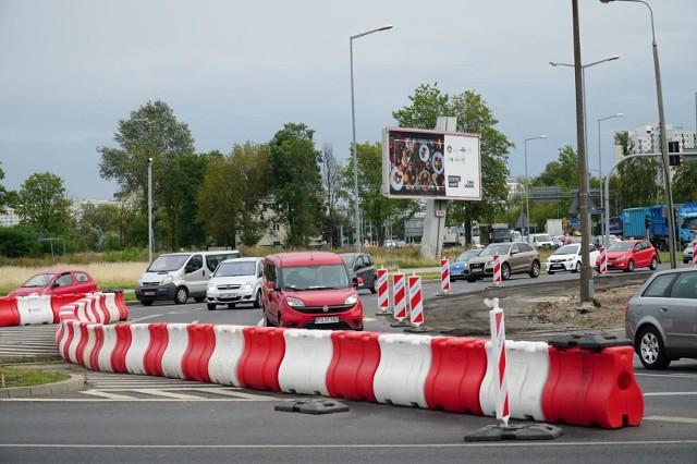 26.08.2020 poznan ww rondo rataje zielen drzewa do wyciecia. glos wielkopolski. fot. waldemar wylegalski/polska press