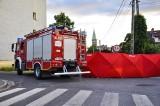 Wypadek w Lewinie Brzeskim. Ustały funkcje życiowe 28-letniego motocyklisty. Po długiej reanimacji trafił do szpitala w Brzegu