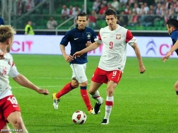 Robert Lewandowski (przy piłce) po raz drugi został w barwach Borussi Dortmund mistrzem Niemiec.