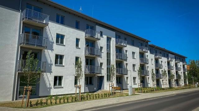 W nowym budynku ZKZL znalazło się 55 mieszkań, lokal użytkowy, a także domki dla jerzyków.Przejdź do kolejnego zdjęcia --->