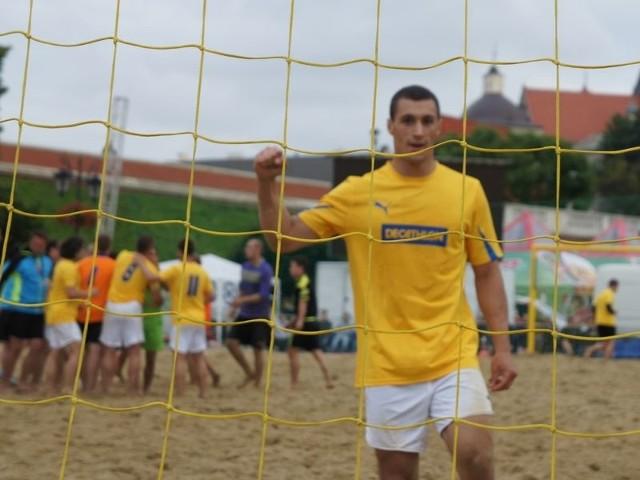 Zadowolony Patryk Pytlak i drużyna po zwycięstwie nad Copacabaną.