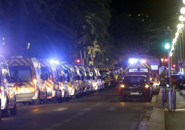Francja. Atak terrorystyczny w Nicei 14.07.2016 Ciężarówka wjechała w tłum