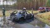 Pojechali na grzyby. Spłonął samochód. Straty oszacowano na 400 tysięcy zł
