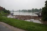 Kraków. Fala kulminacyjna na Wiśle. Bulwary zostały zalane [ZDJĘCIA]