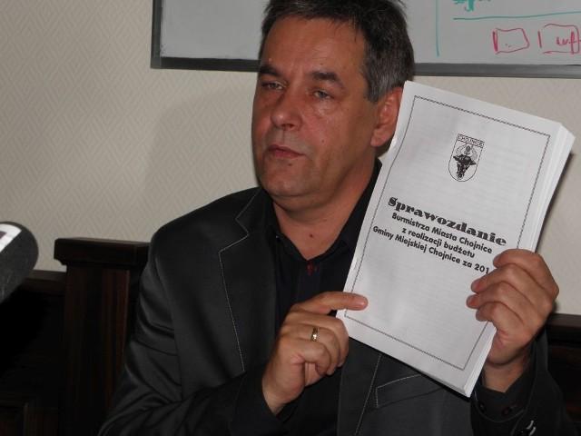 Burmistrz Arseniusz Finster cieszy się z budżetowej nadwyżki