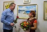 Tarnów. Artystka i uczestnicy warsztatów terapii zajęciowej pochwalili się swoimi pracami w Aniołowie [ZDJĘCIA]