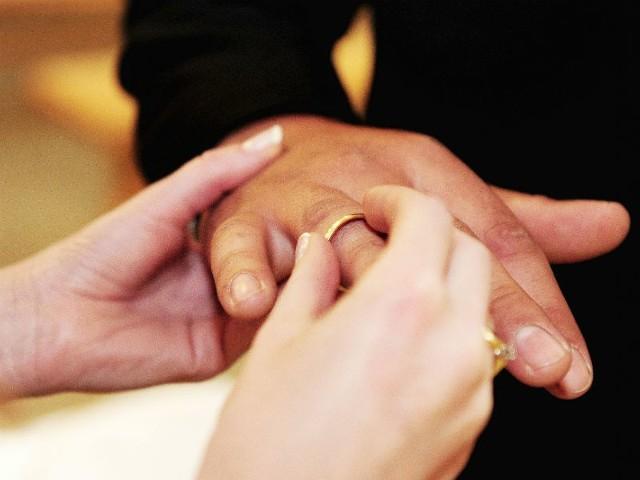 - W dniu ślubu dłonie powinny wyglądać nienagannie - podkreśla Mirosława Kwiecińska-Szewc.