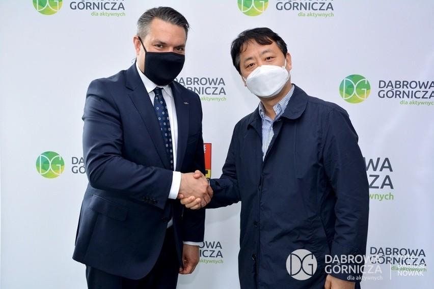 Koreańczycy kupili kolejne 30 hektarów w KSSE w Tucznawie....