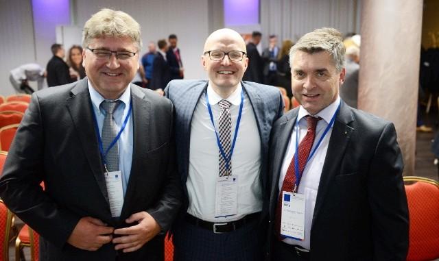 Od lewej: Janusz Jasiński – przewodniczący OPZL, Burghardt Greiff – prezes Unternehmerverband Brandenburg-Berlin i Thomas Kralinski – sekretarz stanu w rządzie Brandenburgii