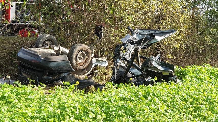 Szczuczyn - Wąsosz. Poważny wypadek w powiecie grajewskim. Pięciu mężczyzna z audi zostało rannych. Droga była zablokowana [ZDJĘCIA]