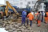 Tarnobrzeg. Uwaga, awaria! Nie ma wody w blokach przy ulicy Dekutowskiego (AKTUALIZACJA)