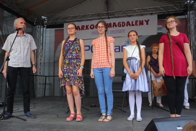 Warkocz Magdaleny co roku przyciąga poznaniaków i turystów na dziedziniec Urzędu Miasta Poznania.
