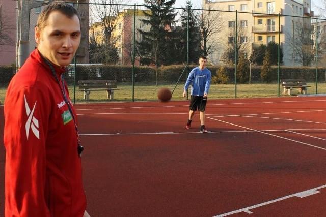 - Współpracę z nami najlepiej nawiązać, wchodząc na stronę naszorlik.pl. Tam wyszukujemy Orlika przy ul. Słowiańskiej w Brzegu i mamy wszystkie potrzebne informacje - zachęca Paweł Rosłan.