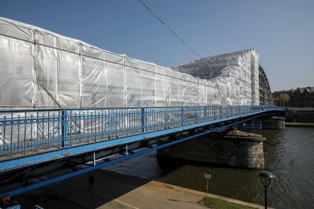 Most Piłsudskiego okryty folią, przebudowa ulicy Krakowskiej