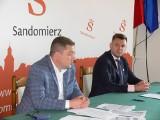 Porozumienie pięciu gmin podpisane w Sandomierzu. Będą razem walczyć o pieniądze na wspólne inicjatywy. Jakie?