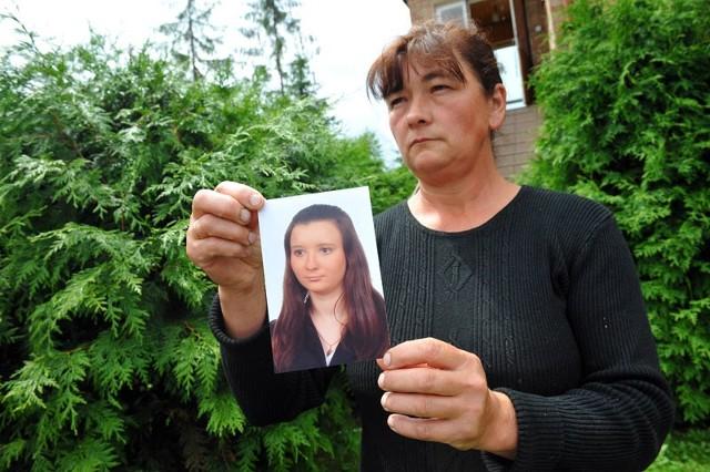 - Dziecka nic mi już nie wróci, żal i tak będę mieć, dopóki będę żyć – mówi zapłakana Krystyna Gąsior, mama 21-letniej Uli.